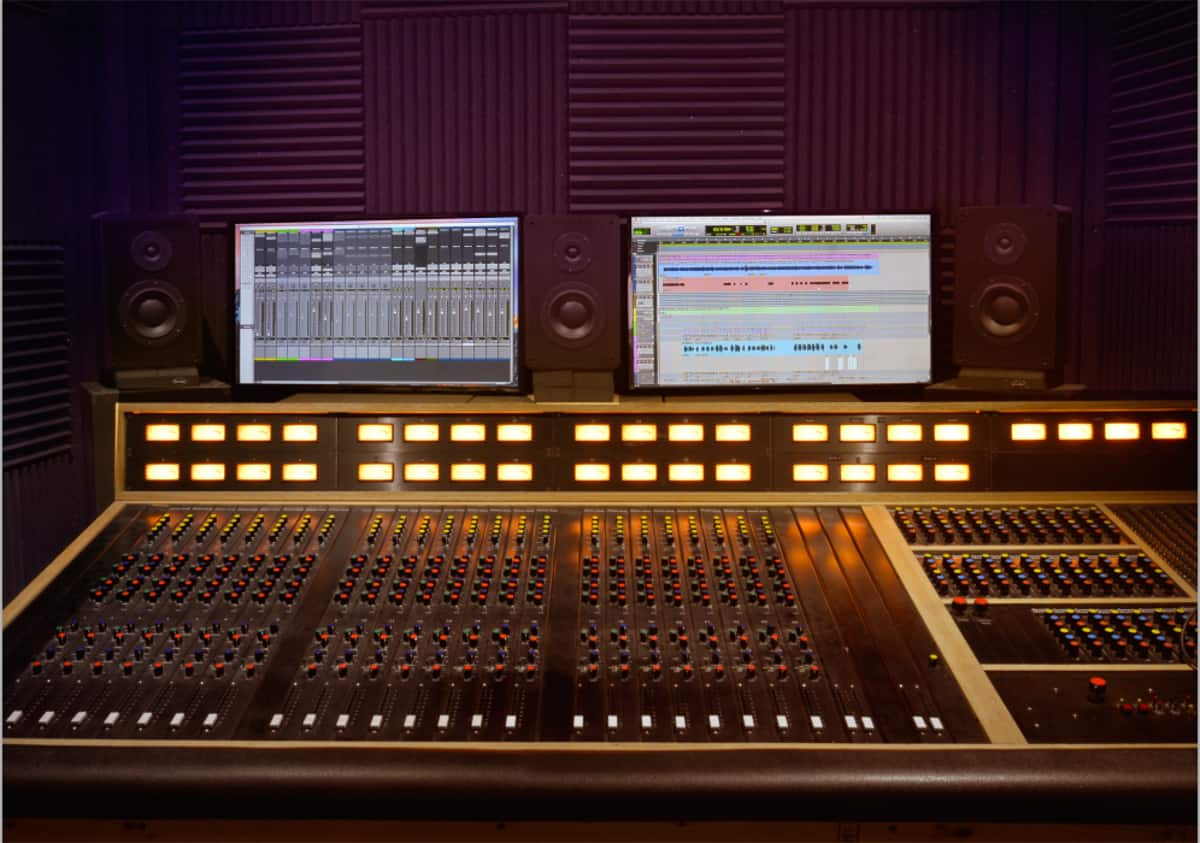 Lamont Audio in Phoenix, AZ has a state-of-the-art recording and mixing console with the latest ProTools software.